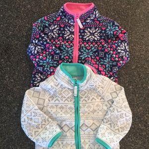 2 fleece jackets